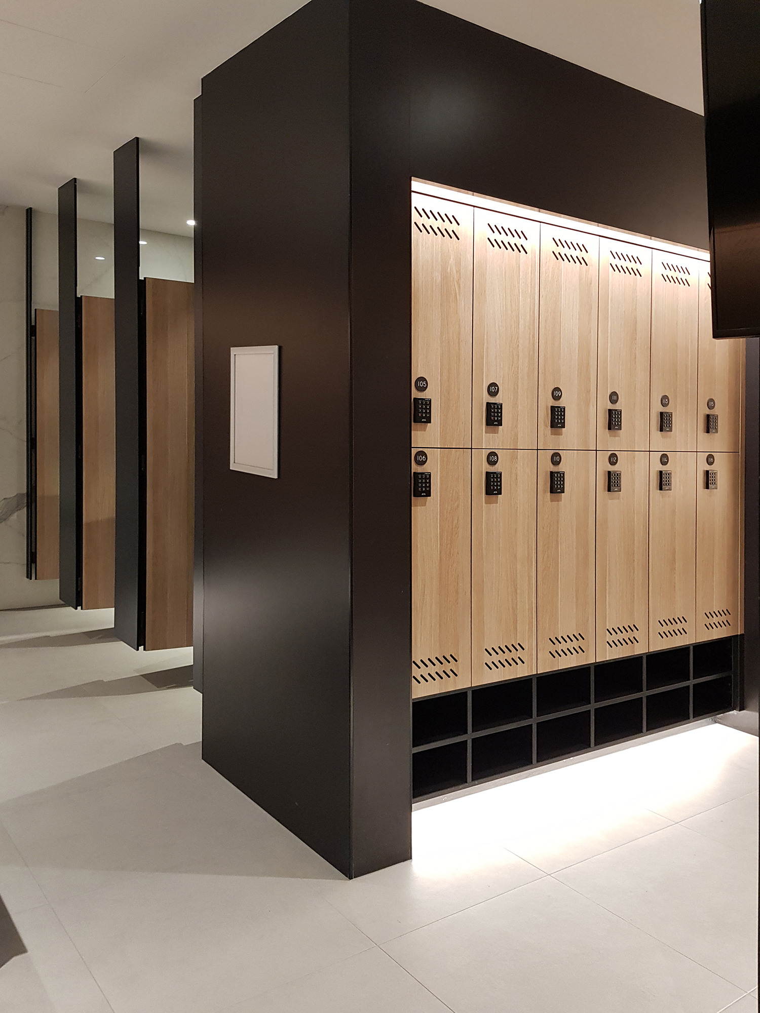 Custom Lockers Aqualoo